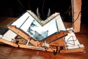 Máquina de Libertar Livros Livres #DomínioPúblico #Bookscanner